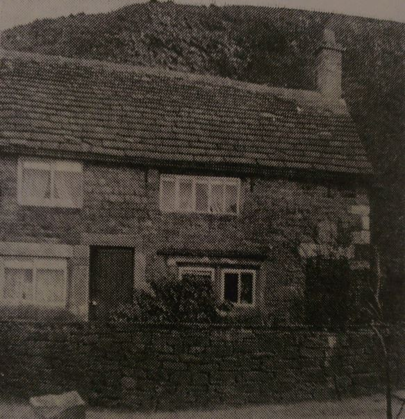 Lee House - The Clog Inn