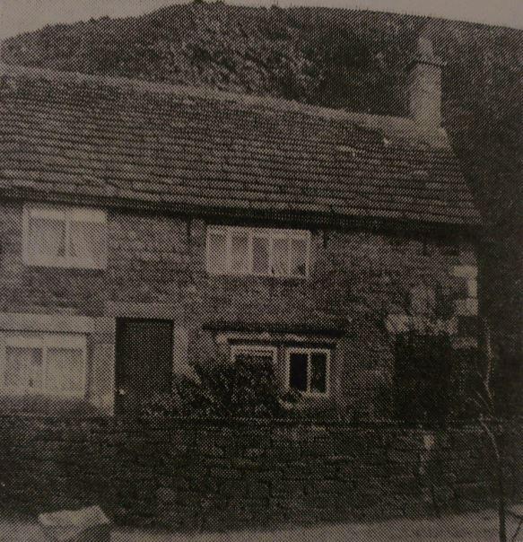 Lee House - The Clog Inn